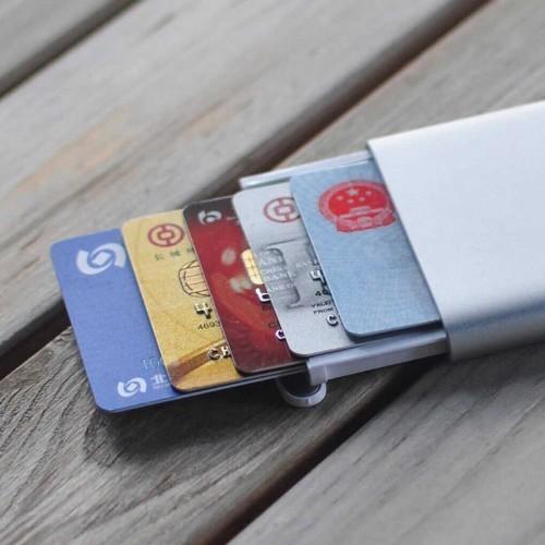 Mi Automatic Business Card Case